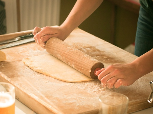 Roll the pastry.