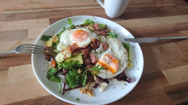 Fried Eggs, Bacon & Avocado Salad