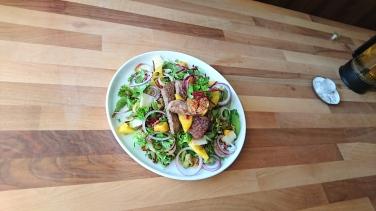 Beef, Mango & Figs Salad